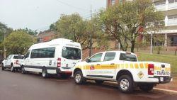 Los vehículos están siendo exhibidos frente al edificio municipal